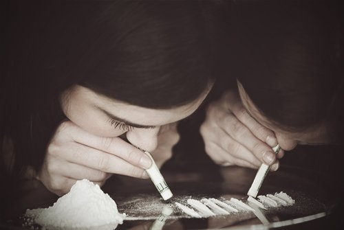 an examination of cocaine abuse A 2007 assessment of harm from recreational drug use (mean physical harm and  mean dependence liability) specialty psychiatry frequency, 27 million deaths,  307,400 (2015) substance abuse, also known as drug abuse, is a patterned use  of a drug in which the user.